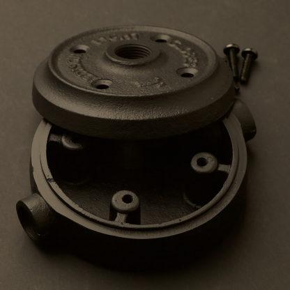 2 Way 20mm Conduit plumbing pipe mount Junction Box and flange