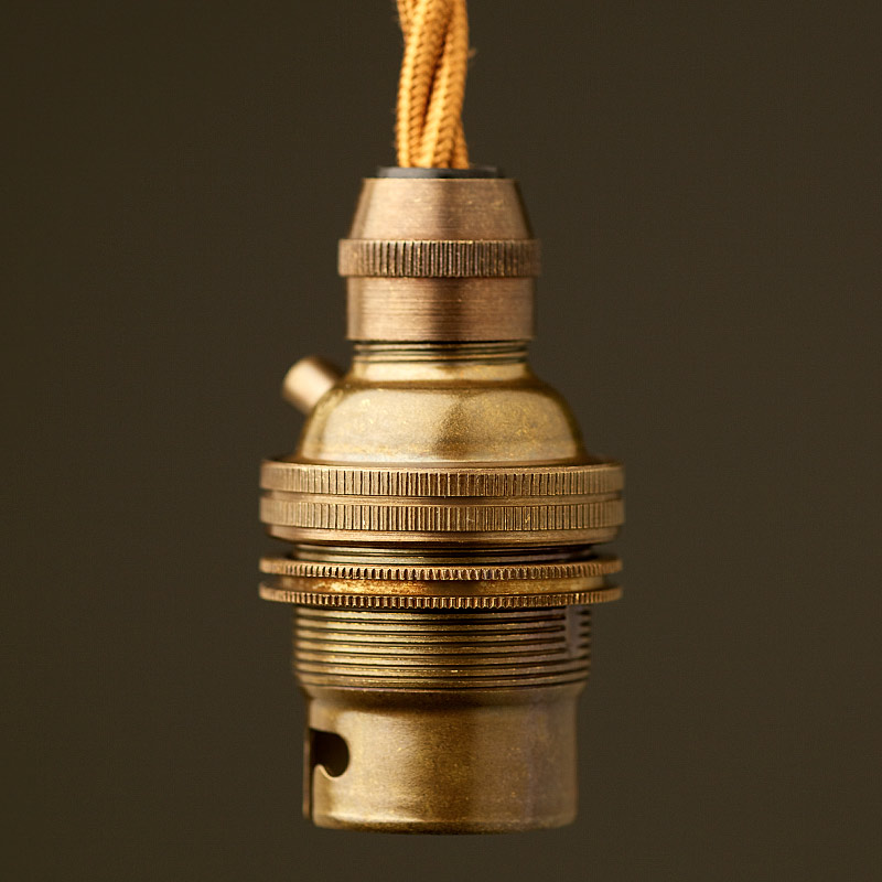 Pendants or Chandeliers B22 Bayonet Cap Switched /& Earthed Lampholder in Antique Brass Finish for use on Lamps