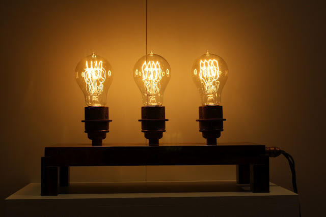 3 edison bulb lamp on