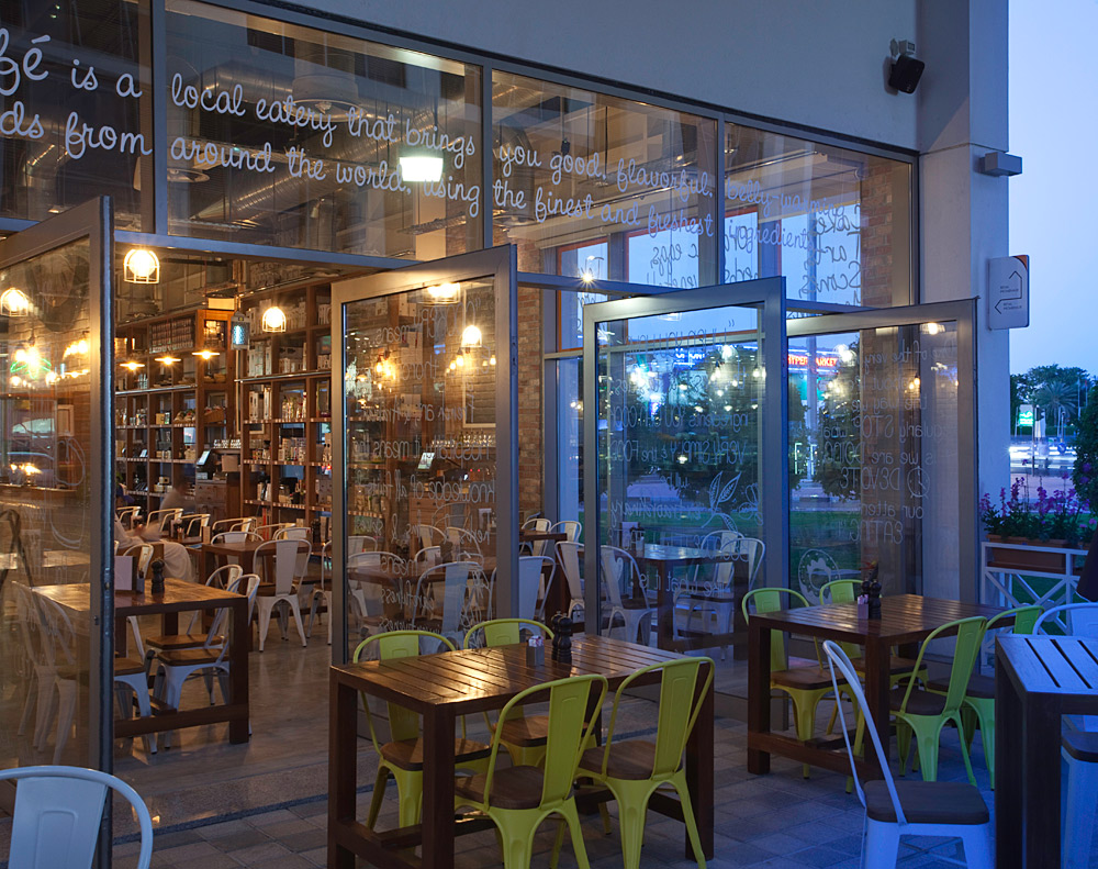 Pantry-Cafe-exterior-seating - Edison Light Globes