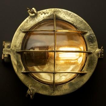 Round brass bulkhead light