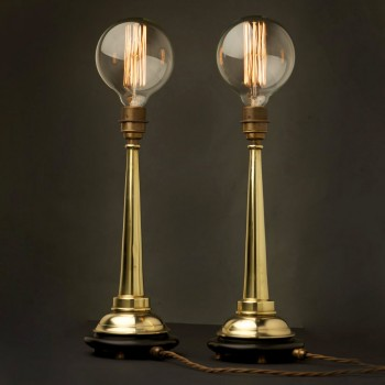 Small-Fire-hose-lamp-with-G125-Vintage-bulb
