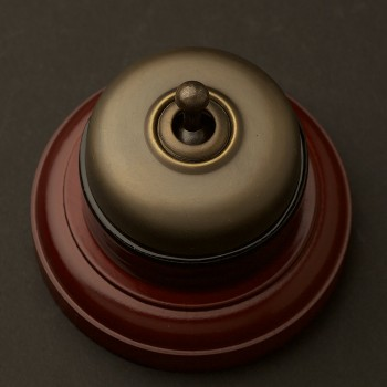 Antique-Brass-Traditional-toggle-switch-timber-base