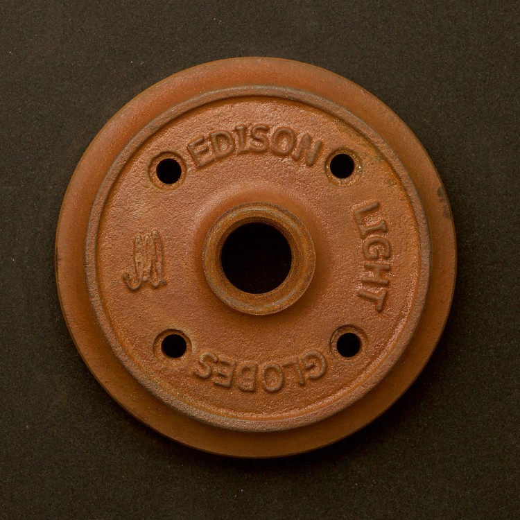 Rusted Cast iron flange plate