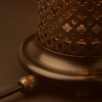 Club and round steel mesh table lamp crinkle black shade