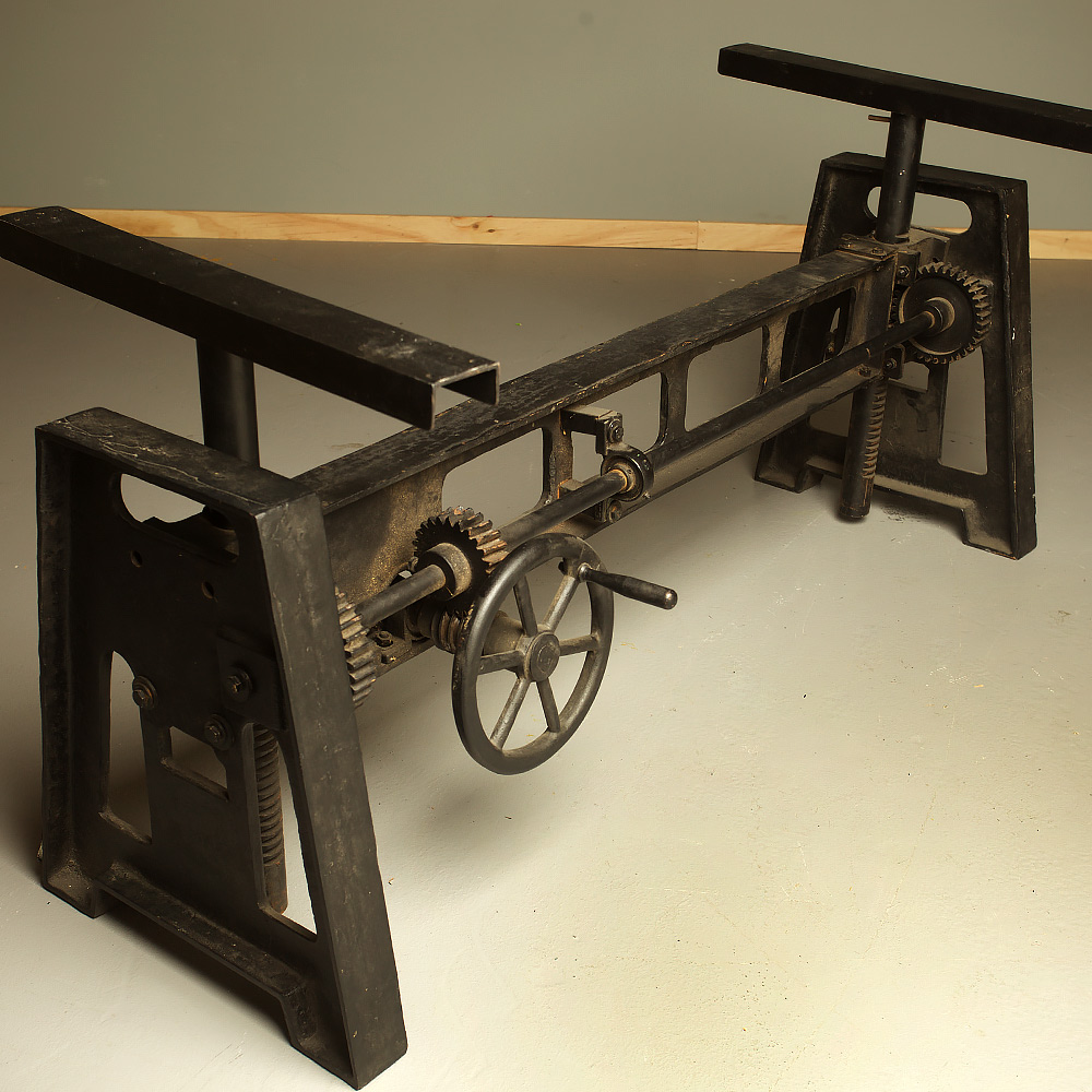 Cast iron adjustable height crank table for Industrial crank table