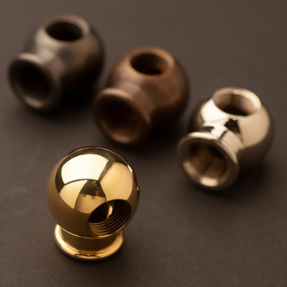 Cross tapped ball coupling