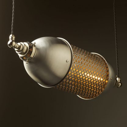 Horizontal Club&round mesh steampunk pendant