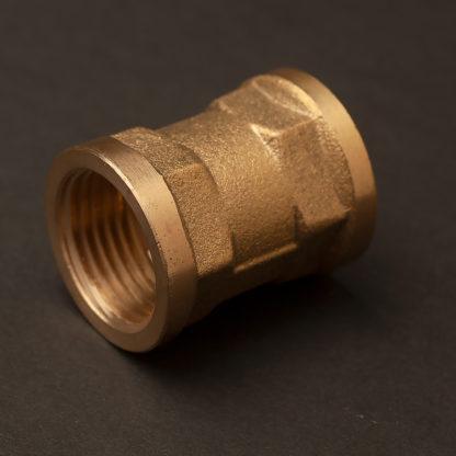 half inch plumbing pipe coupler brass