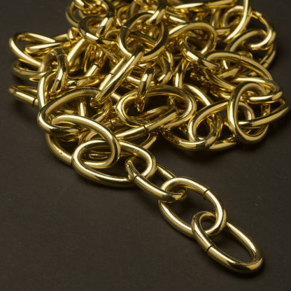 Heavy polished brass laquered oval lighting chain