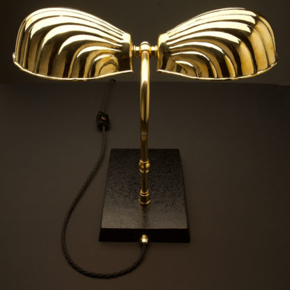 Vintage Brass foot light clam shell shade table lamp